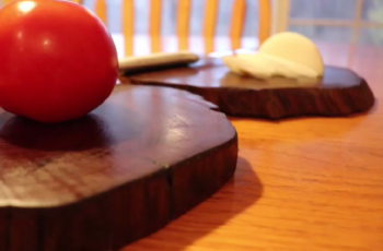 How to Sanitize your Wooden Chopping Boards Naturally